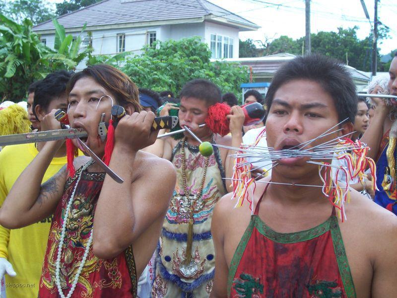 مهرجان لتعذيب الذات تايلند